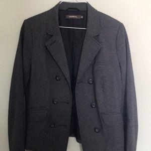 sandwich_ gray suit